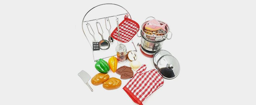 toy kitchen cookware